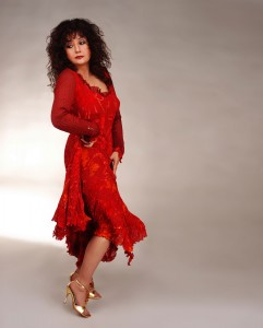 Maria Muldaur performs