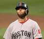 Dustin Pedroia leaves game in 8th with knee injury