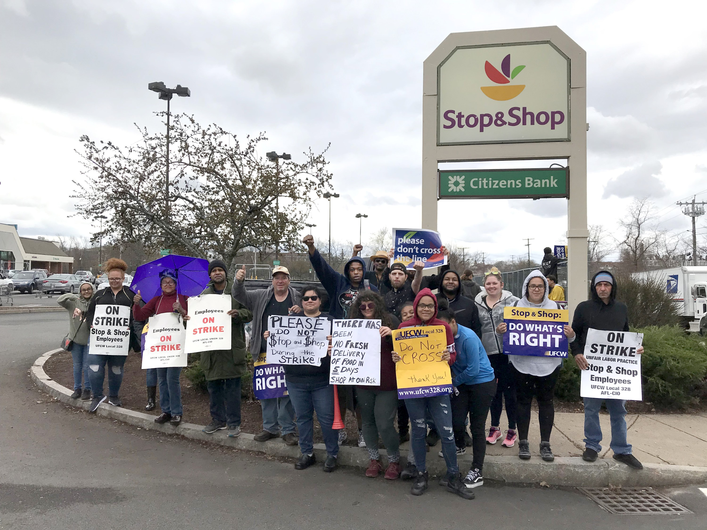 Tentative deal reached between Stop & Shop, striking workers